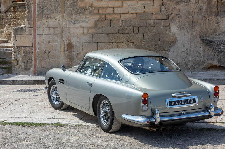 Matera,_Italy_-_September_15,_2019:_the_Aston_Martin_DB5_used_on_the_set_of_the_latest_James_Bond_movie_'No_time_to_die'_in_Matera,__Italy.