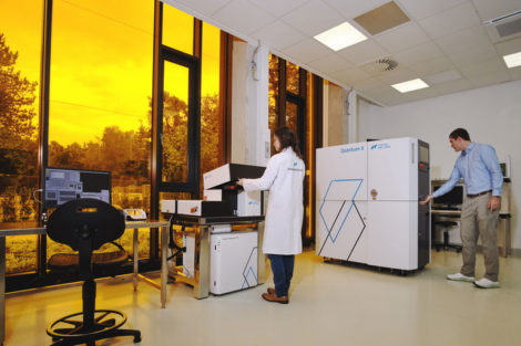 Nanoscribe_Microfabrication-experience-center.jpg