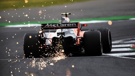 Stoffel_Vandoorne_(BEL)_McLaren_MCL32_at_Formula_One_World_Championship,_Rd10,_British_Grand_Prix,_Qualifying,_Silverstone,_England,_Saturday_15_July_2017.