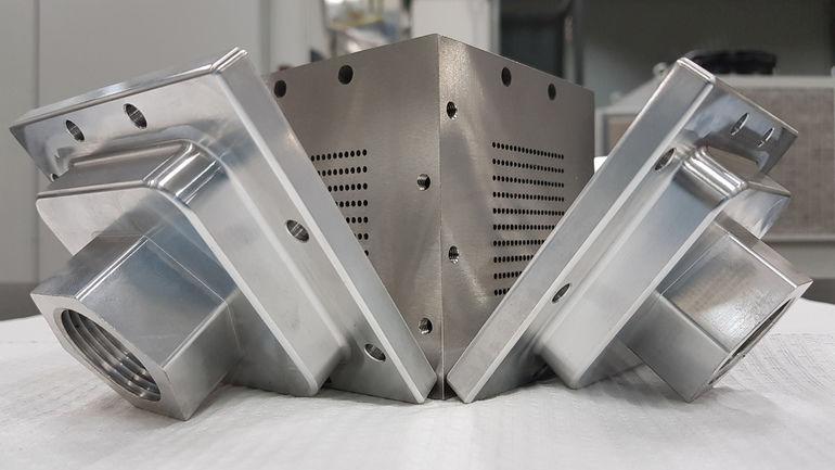 Kompakter_Wärmetauscher_aus_Edelstahl_AISI_316L_gedruckt_im_SENAI_Innovation_Institute_for_Manufacturing_Systems_and_Laser_Processing_(Joinville-SC)_in_einem_Projekt_mit_UFSC_und_PETROBRAS._Compact_Heat_Exchanger_made_from_stainless_steel_AISI_316L_printe
